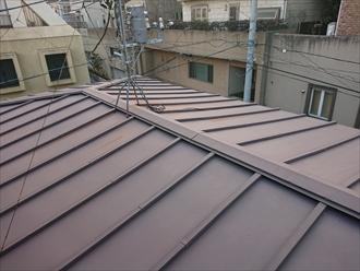 テレビ用アンテナが設置されておりますが、アンテナの錆が屋根に伝わってしまっています