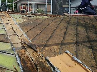 須賀市湘南鷹取 屋根葺き替え工事 古いスレートの撤去
