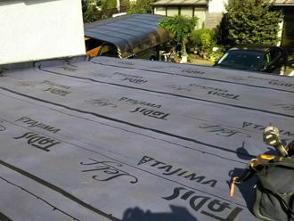 平塚市小鍋島 屋根カバー工法 防水紙設置