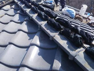 藤沢市遠藤にて棟の漆喰劣化を棟取り直し工事で改善しました