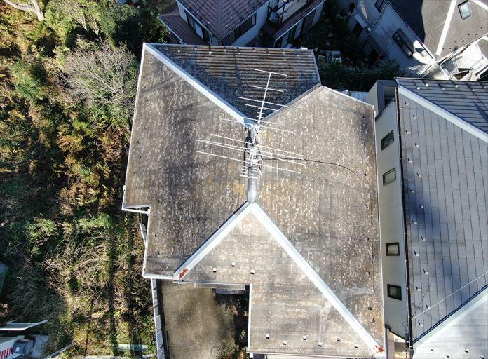 ドローンで屋根全体を確認