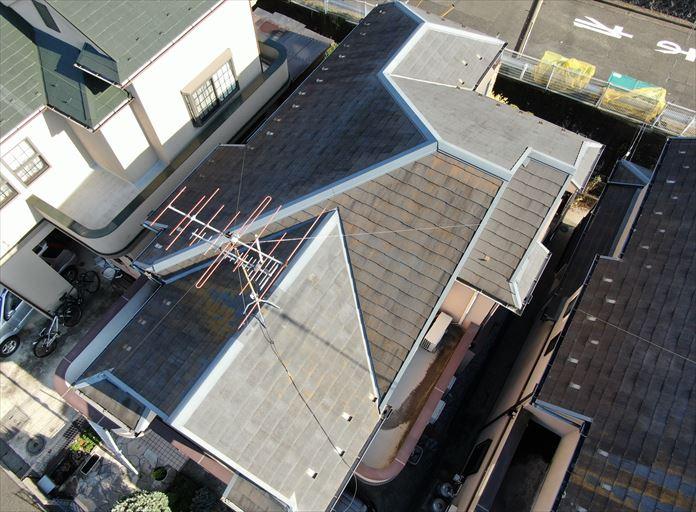 座間市小松原でスレート屋根の状態を、ドローンを使用して点検いたしました