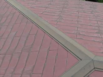 人が屋根の上になって撮る距離感でドローン撮影は可能