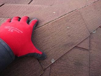 寒川町田端にてフリーリッジ納めの化粧スレートが使われた屋根、塗装でのメンテナンスをしていなかった結果内部が傷みすぎていました