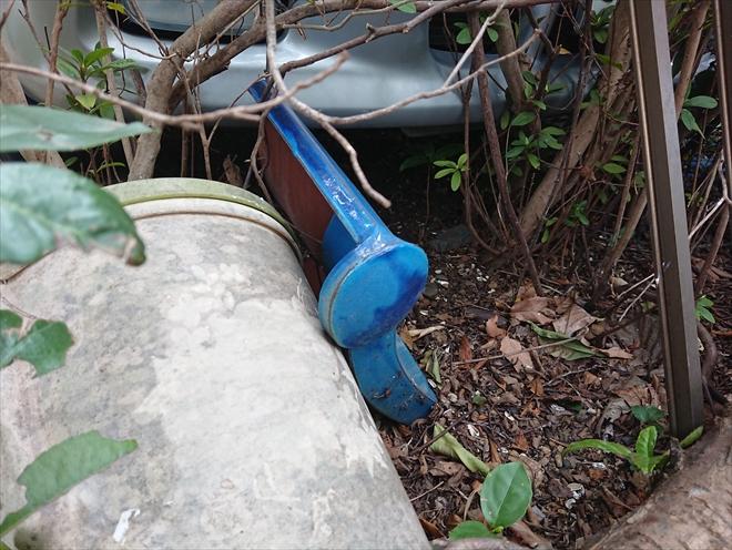 庭に落ちていた瓦