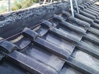 愛甲郡愛川町中津で台風の強風で崩れた棟の取り直し工事を実施