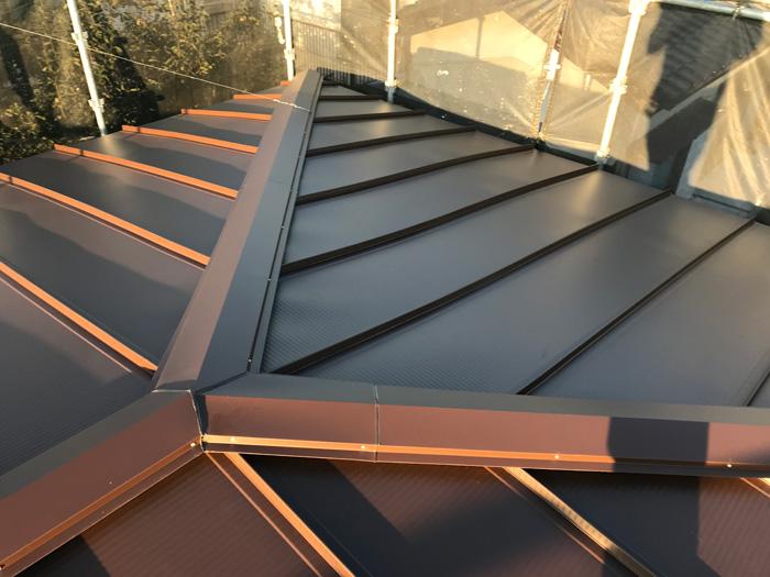 厚木市森の里青山 屋根葺き替え工事 立平ロック32型設置完了