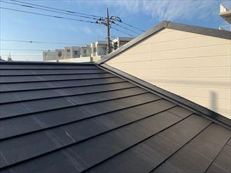 大和市西鶴間でスーパーガルテクト(Sシェイドブラック)を使用した屋根葺き替え工事を行いました