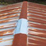 秦野市名古木で錆びが酷い事務所をガルバリウム鋼板の屋根材で屋根葺き替え工事
