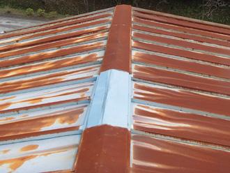 秦野市名古木 事務所の屋根がさび付いている
