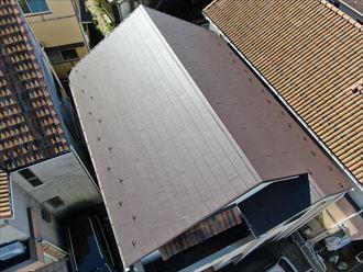 海老名市国分北で屋根のメンテナンス、洋瓦からスーパーガルテクトへ葺き替え工事
