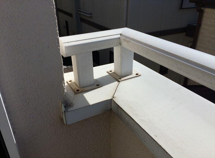 笠木は屋根と同じ役割