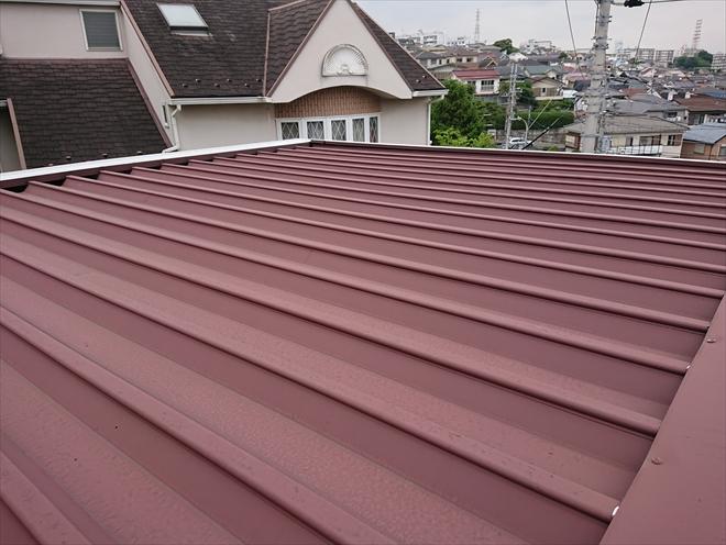 折板屋根の様子