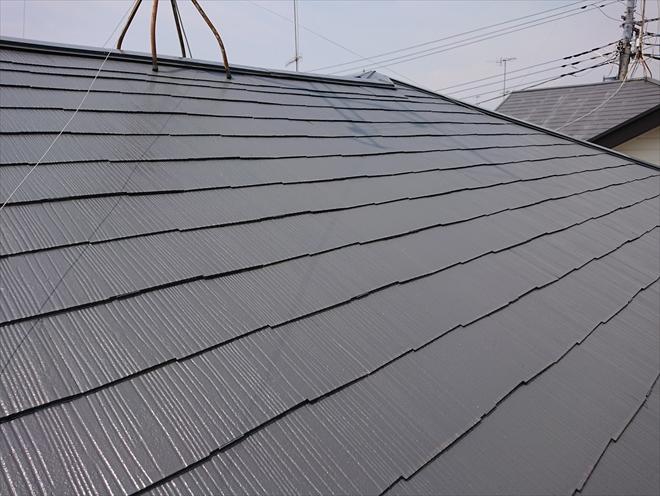 まだ塗装して一年ということもあり綺麗な屋根