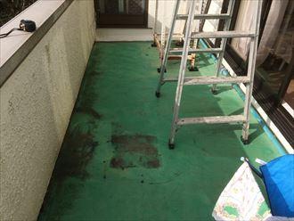 バルコニーの床は防水層で持っている