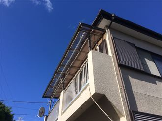 ベランダ屋根の波板が壊れてしまった