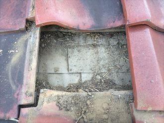 大和市つきみ野で発生した雨漏り、原因は劣化した下葺き材の可能性が高いです