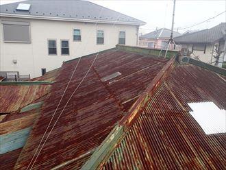 トタン屋根 全貌