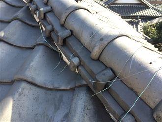 棟瓦を固定している銅線の切れ