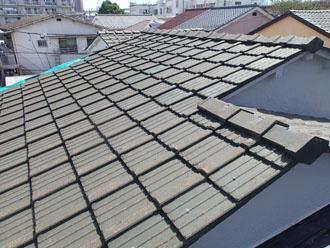 中郡二宮町緑が丘にて令和元年東日本台風で被災、破損したセメント瓦の葺き替え工事が竣工