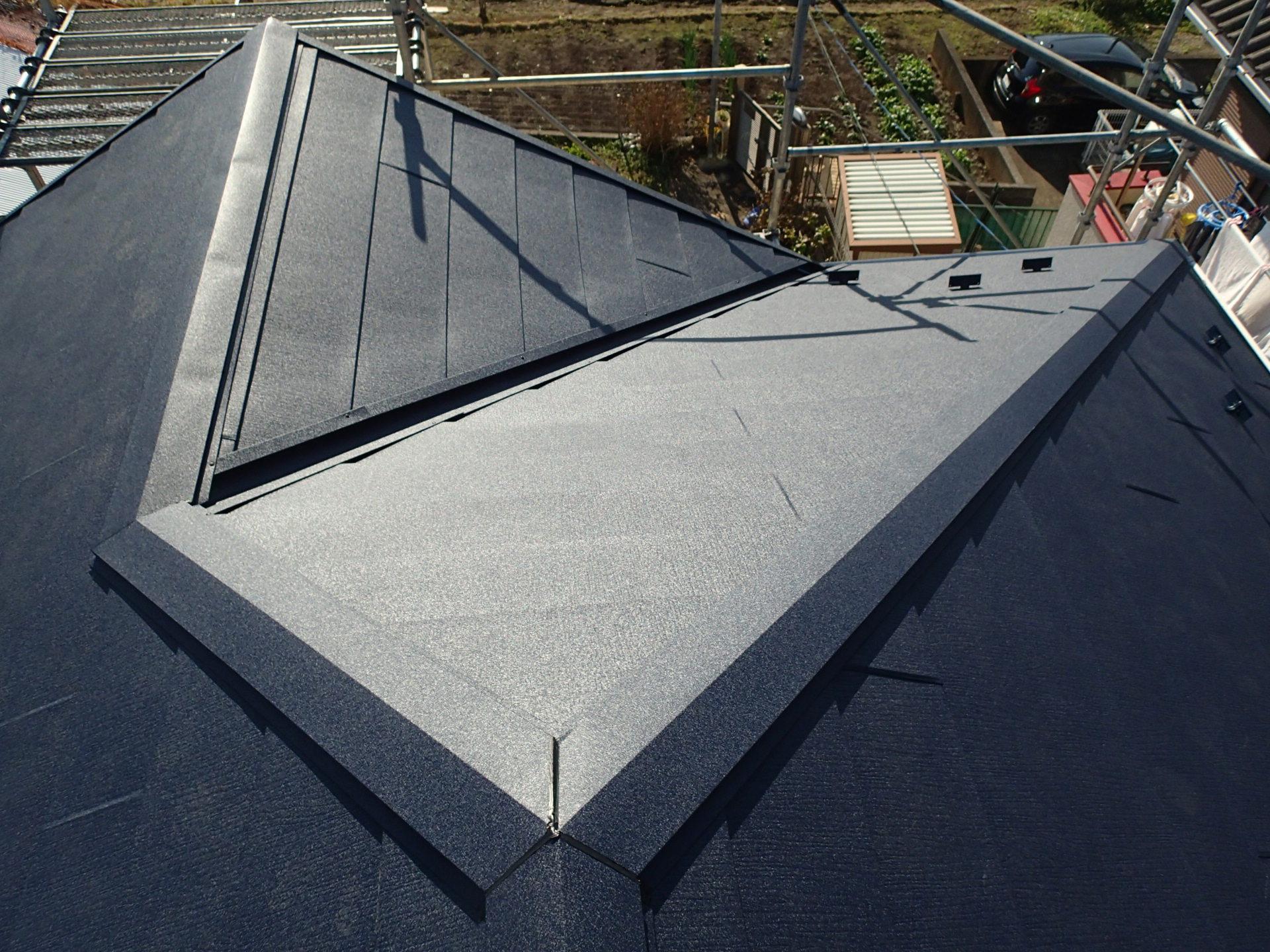 屋根カバー工事でスーパーガルテクトの屋根になりました