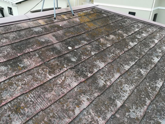 汚れの酷いスレート屋根