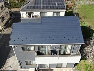 屋根全体をとらえる事ができるドローンは優秀です