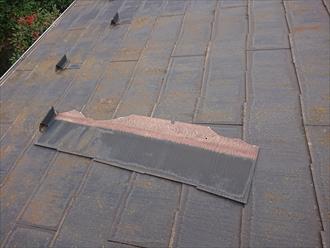 庭先に落ちていなかった化粧スレートは二階屋根の雪止めに運よく引っかかっておりました