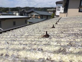 べらんだの屋根の留め具が錆びておりました