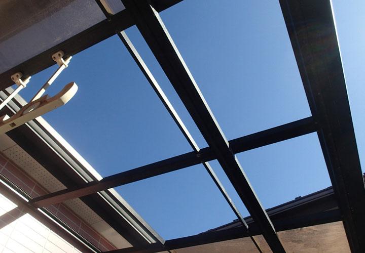 平塚市平塚にてベランダ屋根の復旧工事