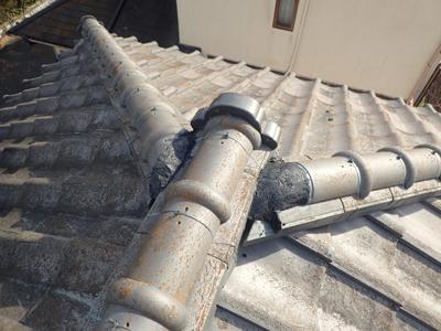 中郡大磯町大磯で経年で隙間ができてしまったセメント瓦屋根の漆喰補修と瓦の差し替え