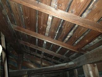 小屋裏の垂木