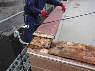笠木劣化による腐食