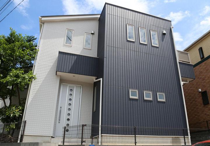 ガルバリウムを外壁に使用した住宅