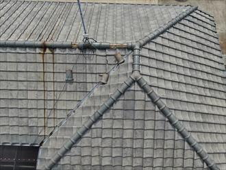 ドローンを飛行させて瓦屋根の異変に気が付く