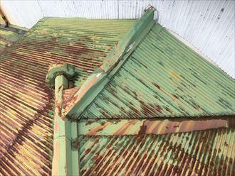 錆ている屋根