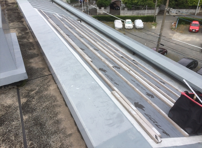 台風で板絵金屋根が飛ばされてしまった