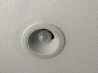 大和市渋谷のマンションで起こった雨漏りの原因を、散水試験を行って特定することが出来ました