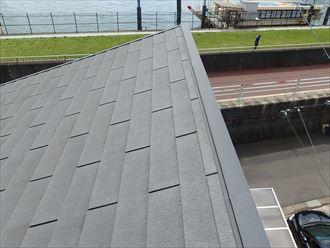 片流れ屋根の棟板金