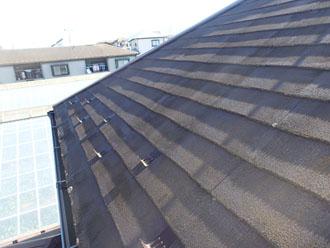 スレート屋根ってどんな屋根?メリット・デメリットや塗装方法をご紹介!