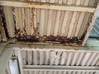 逗子市沼間でアパート鉄骨階段や共用部の錆び、錆びる前に塗り替えましょう