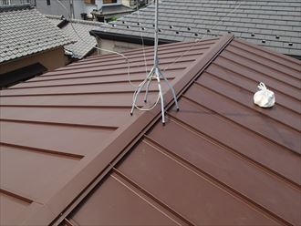 縦葺き屋根材