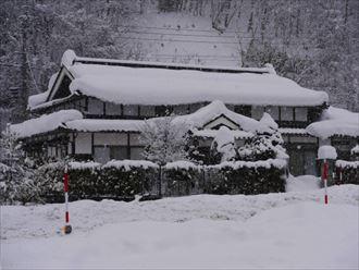 積雪に耐える住宅