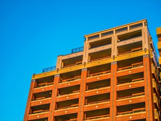 高さがまばらなマンション