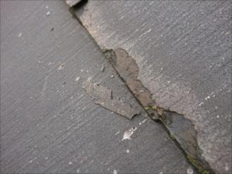パミールが使われている屋根は気づいた時点で屋根工事が必要です
