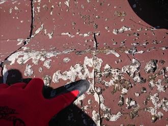 横浜市旭区川島町にてセキスイかわらUで葺かれていた屋根は傷みすぎており雨漏りしておりました
