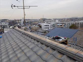 棟瓦取り直し工事では銅線を新しくします