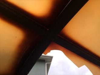 茅ヶ崎市萩園でカーポート屋根材が破損、新しい屋根材へ張り替えが必要でした