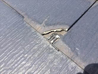 鎌倉市岩瀬でスレート屋根の点検、勾配が緩いと傷みの進行が速くなります