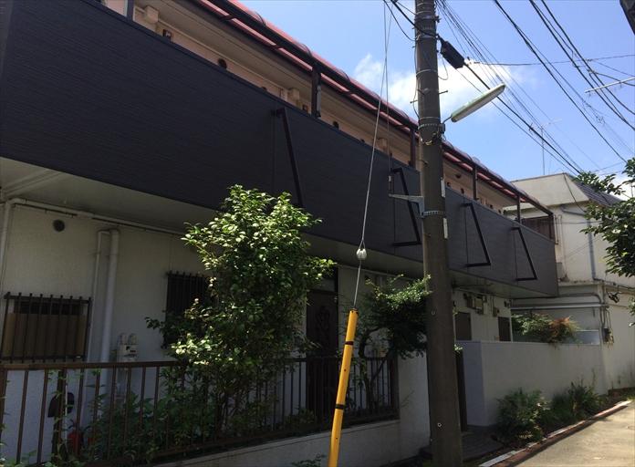 アパート共用部のテラス屋根を調査